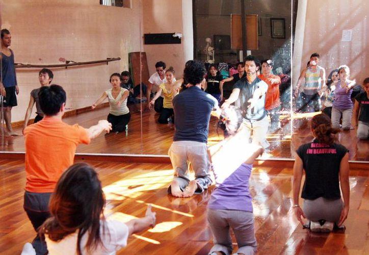 Imparten capacitación a artistas para la creación y dirección de proyectos dancísticos. Imagen de los cursos en Bellas Artes. (Milenio Novedades)