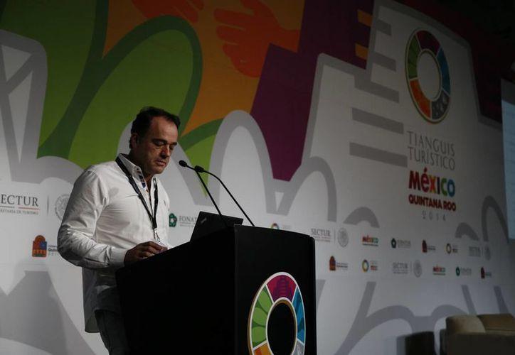Alejandro Zozaya  indicó que tendrán 39 hoteles para el 2016. (Israel Leal/SIPSE)