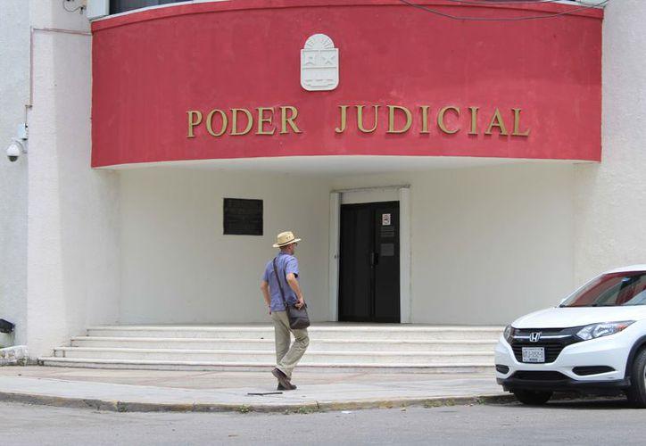 José Antonio León Ruiz, presidente del Tribunal, inició recorridos dentro del mismo para que en un mes se realicen los cambios. (Joel Zamora/SIPSE)