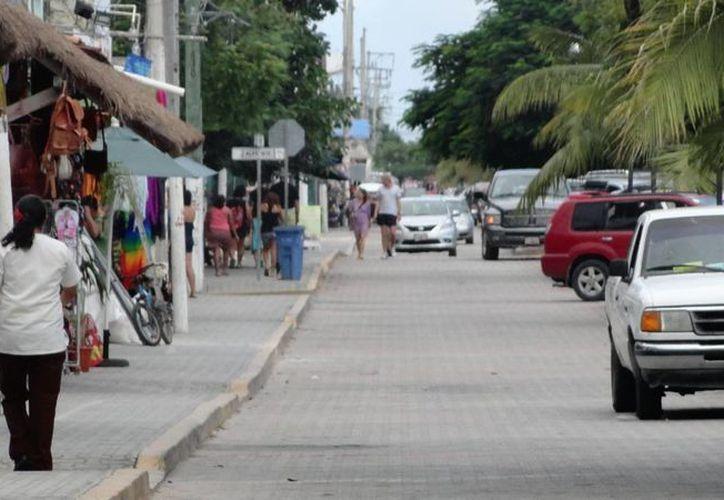 La Profeco exhorta a los consumidores a comprar en comercios legalmente establecidos y que exhiban sus precios. (Rossy López/SIPSE)