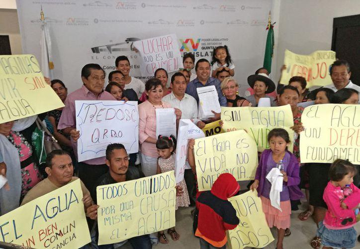 Solicitan bajar el precio mensual de pago a 100 pesos. (Ivette y Coz/ SIPSE)