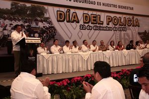 Policías de Yucatán celebran su día