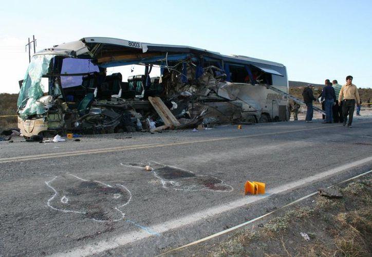 Los accidentes de carretera son frecuentes en Venezuela, un país donde la infraestructura vial sufre de falta de mantenimiento. (Archivo/EFE)