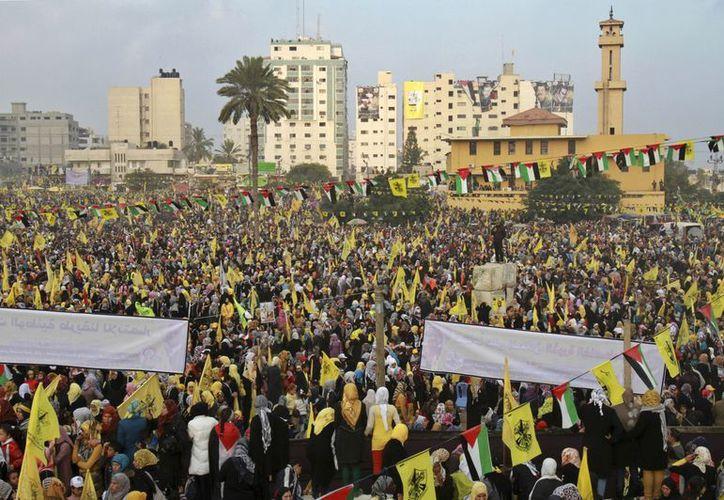 Durante años, los leales a Fatá en Gaza enfrentaron represalias del régimen de Hamas, que les prohibió congregarse. (Agencias)