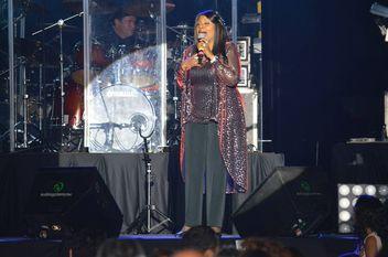 Excelente concierto de Gloria Gaynor y Kool & The Gang