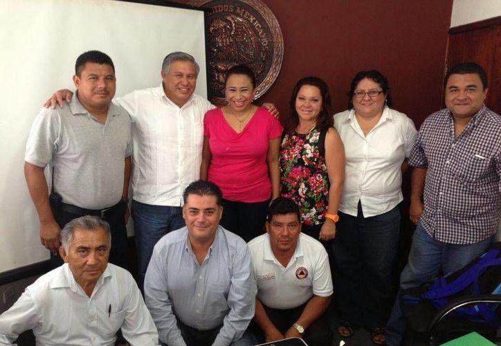 Funcionarios de diferentes dependencias del Ayuntamiento. (Rossy López/SIPSE)