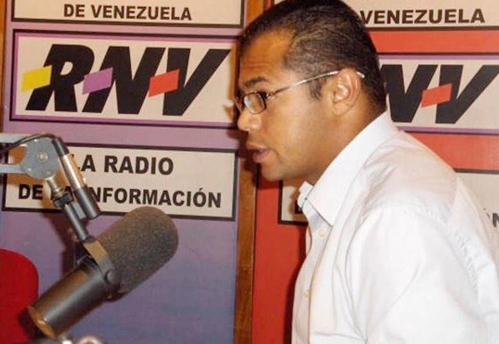 Balean y matan al periodista Ricardo Durán en Caracas, Venezuela. Fue jefe de prensa de la Asamblea Nacional y periodista de la estatal Venezolana de Televisión. (@NOTICIEROSiBSI)