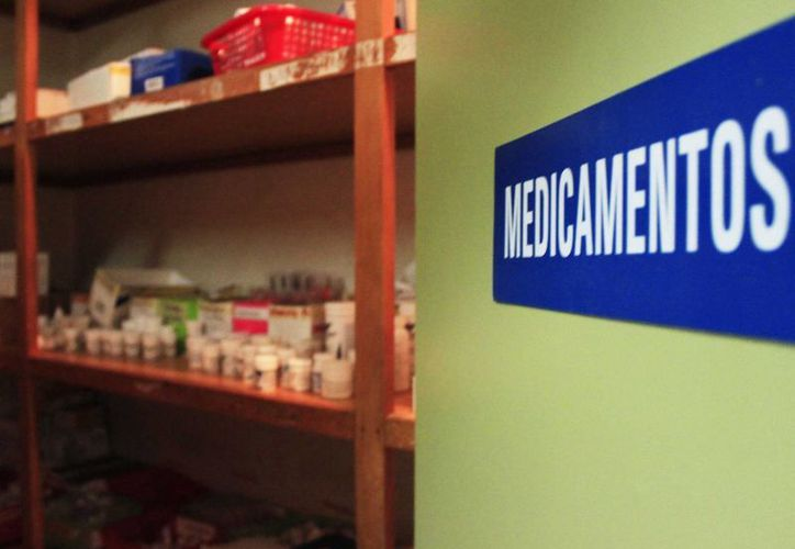 Las Unidades Móviles de Salud carecen del 50% de medicamentos.  (Harold Alcocer/SIPSE)