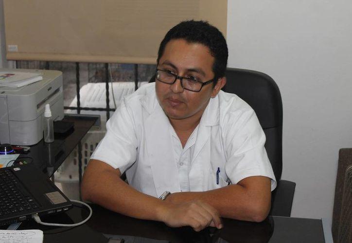 Médico veterinario, Adolfo Romero Marrufo. (Redacción/SIPSE)