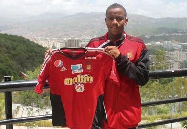 El arquero Wuilker Fariñez, de 17 años, forma parte de la Selección de Venezuela que jugará la Copa América de Chile. (caracasfutbolclub.com)