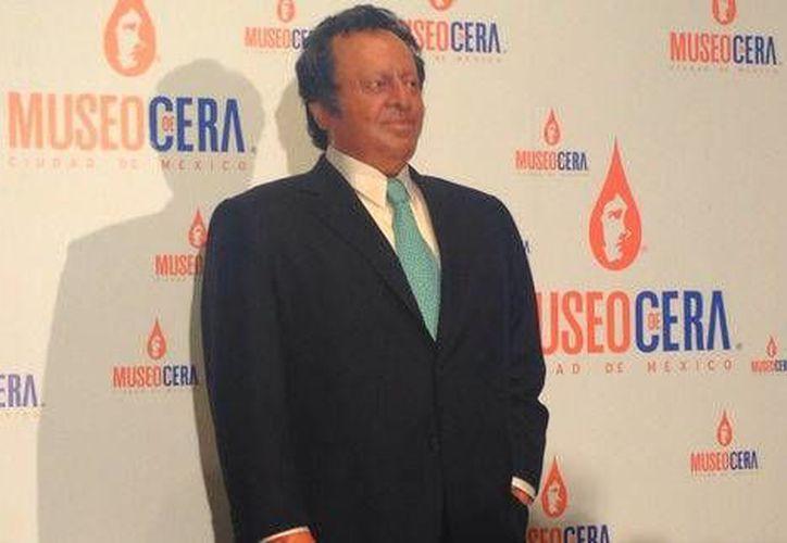 La familia del fallecido expresidente del CMB se dio cita en el recinto de la Ciudad de México para develar la efigie. (Milenio)