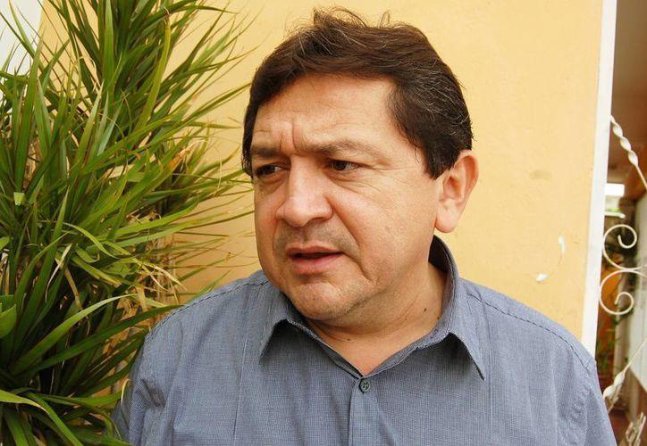 El presidente de la Comisión de Educación, Felipe Duarte Ramírez, apoya la restricción de celulares, laptops y otros dispositivos durante el horario de servicio de los maestros. (SIPSE)