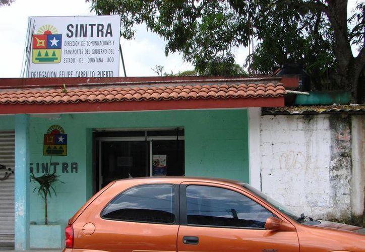 El funcionario de Sintra asevera que están esperando instrucciones para presentar la denuncia correspondiente contra la Untrac. (Manuel Salazar/SIPSE)
