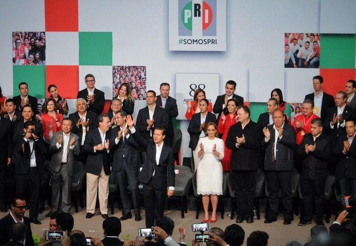 Aspecto de la ceremonia del 88 Aniversario de la Fundación del PRI, que encabezó el presidente Enrique Peña Nieto. (Twitter: @Milenio)