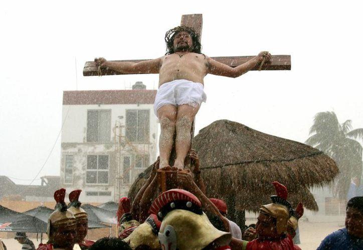 Los vestuarios y las cruces se realizan en diferentes partes. (Redacción/SIPSE)