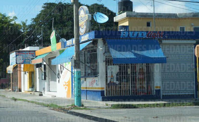 Los negocios de venta de alcohol están en riesgo de pagar multas. (Daniel Tejada/SIPSE)