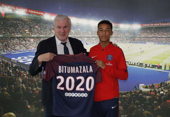 El París Saint-Germain hizo oficial el fichaje de Nathan Bitumazala, de 15 años. (Contexto/Internet)