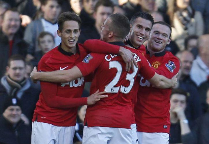 Van Persie, Rooney y Valencia tuvieron una tarde de inspiración. (Foto: Agencias)