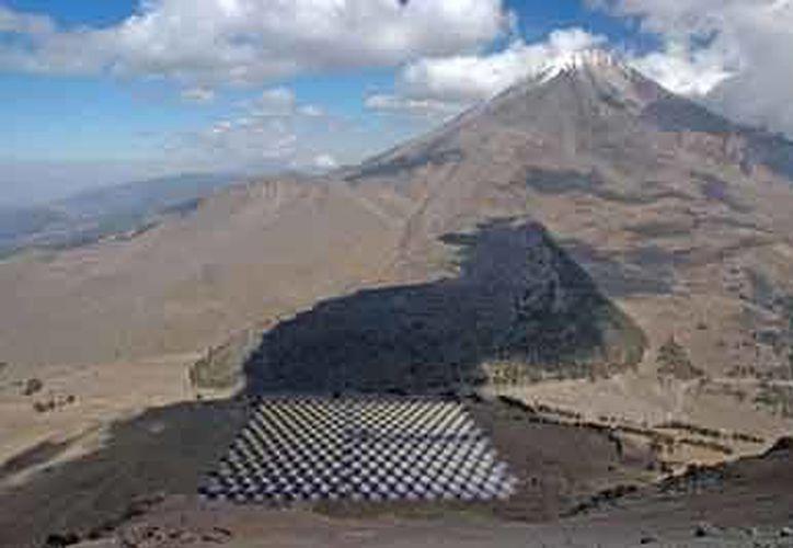 El HAWC está dentro del Parque Nacional Pico de Orizaba, conformado por dos volcanes: el Citlaltépetl o Pico de Orizaba, con una altura de 5,610 m, y el volcán Sierra Negra, con una altura de 4,600 m.  (Foto: www.revista.unam.mx)