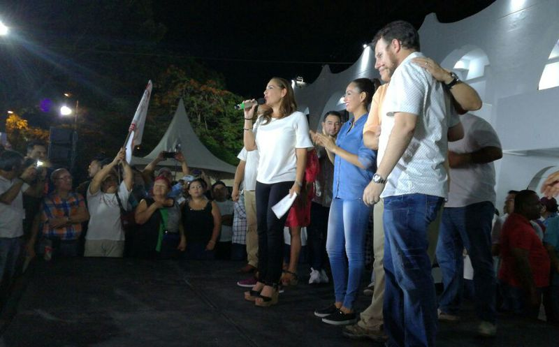 Mara Lezama festeja el triunfo en las elecciones en Benito Juárez. (Redacción/SIPSE)
