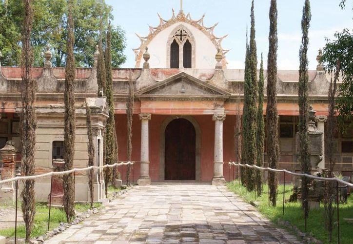 El Panteón de Belén, en la capital de Jalisco, es conocido por sus historias paranormales. (turismoenfotos.com)