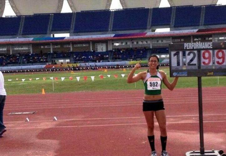 Con esta marca, Rita Rosado obtuvo el pase automático al Campeonato Centroamericano y del Caribe de Atletismo. (SIPSE)