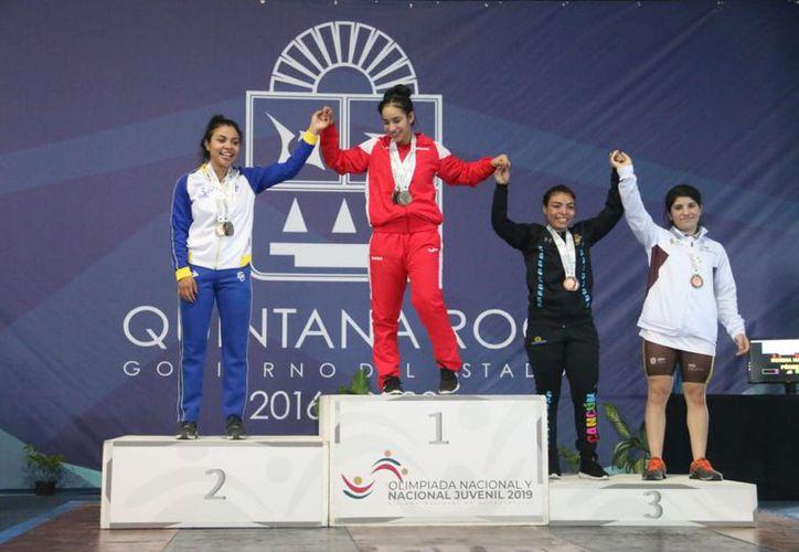 Las jóvenes de Quintana Roo siguen cosechando medallas. (Miguel Maldonado/SIPSE)
