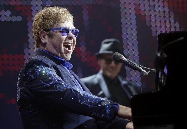 Se espera que el cantante esté recuperado para septiembre. (EFE)