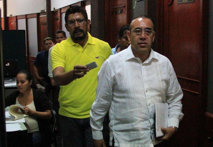 Diputados locales se entrevistaron con Carlos Arturo Álvarez Escalera, propuesto para ocupar el cargo de Procurador General de Justicia del Estado. (Ángel Castilla/SIPSE)