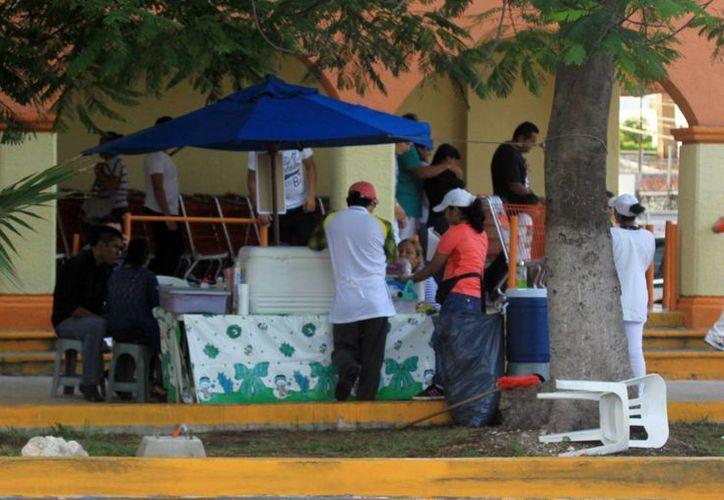 El SAT localizó a más de 12 mil negocios informales en el 2014. (Luis Soto/SIPSE)