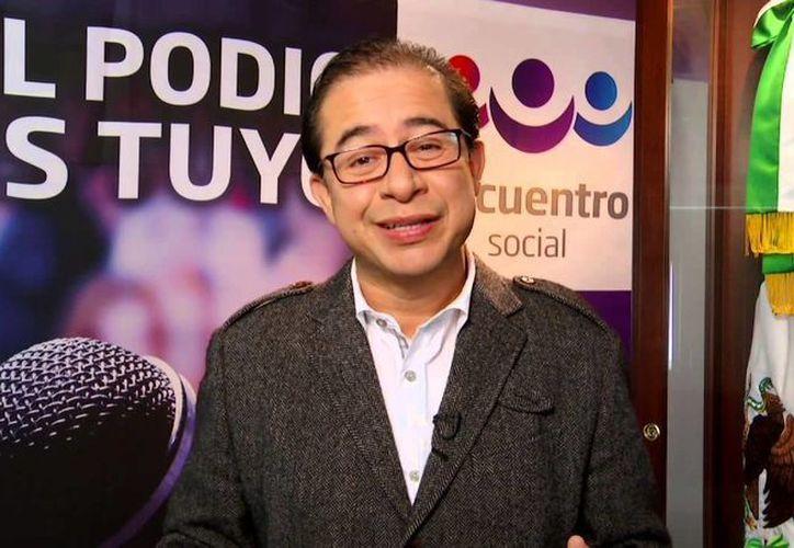 En 2006 Hugo Éric Flores Hernández fue sancionado por la Secretaría de la Función Pública e inhabilitado para ocupar un cargo como funcionario en la administración pública hasta 2020. (YouTube)