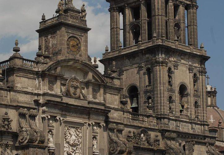 Las campanadas de la Catedral Metropolitana sonaron por quince minutos. (Notimex)