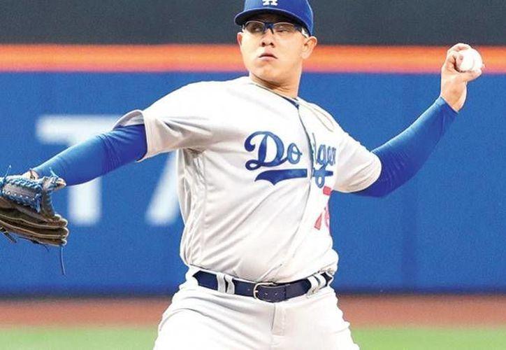 El lanzador mexicano tuvo una desafortunada presentación en la gran carpa ante Mets de Nueva York.(AP)