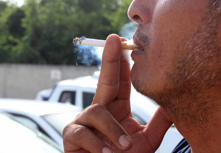 El consumo de tabaco causa cada año a nivel mundial más de siete millones de defunciones. (Redacción)