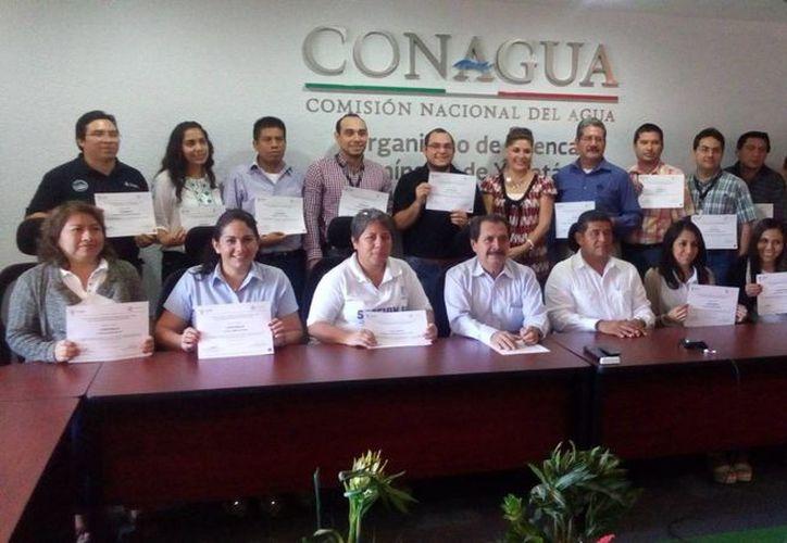 Personal de la Conagua recibió capacitación de Protección Civil estatal. (Foto cortesía del Gobierno de Yucatán)