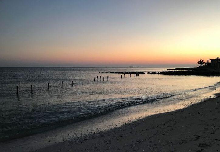 Hoy el amanecer se presentó a las cinco de la mañana con siete minutos. (Jesús González/SIPSE)