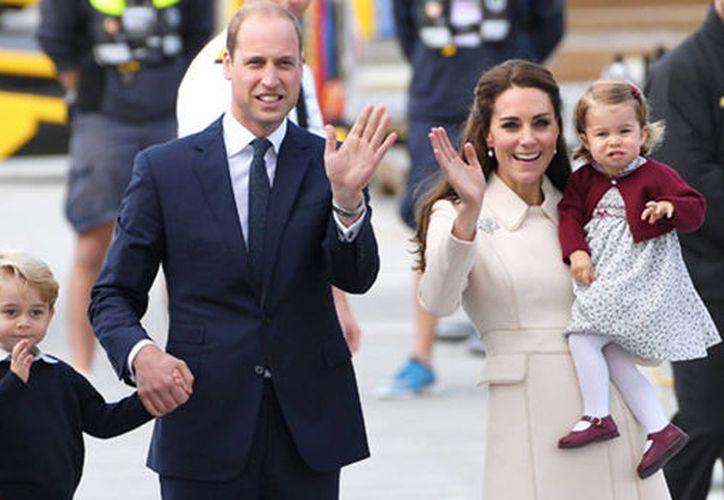 Los duques de Cambridge se han convertido en la primera pareja real en romper la tradición. (Contexto)