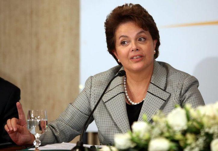 """La presidenta brasileña, Dilma Rousseff, afirmó que en su gobierno """"la prioridad en la educación es real"""". (EFE/Archivo)"""