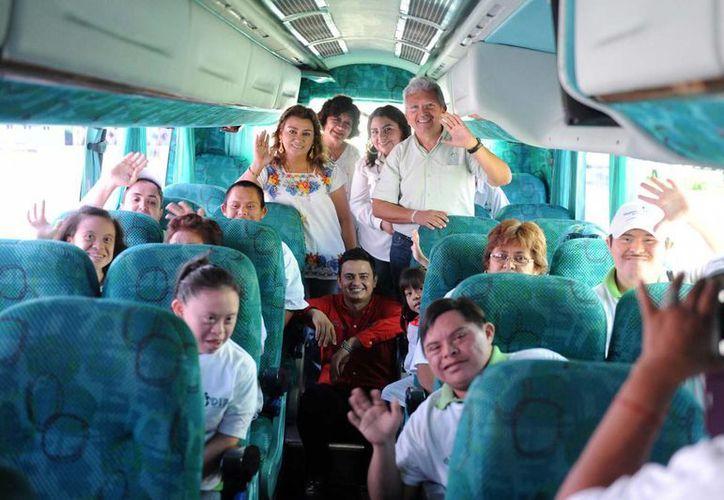 El campamento de verano del DIF Yucatán es en beneficio de 60 infantes y adultos con discapacidad motora, auditiva, visual e intelectual. (Fotos: cortesía del DIF)