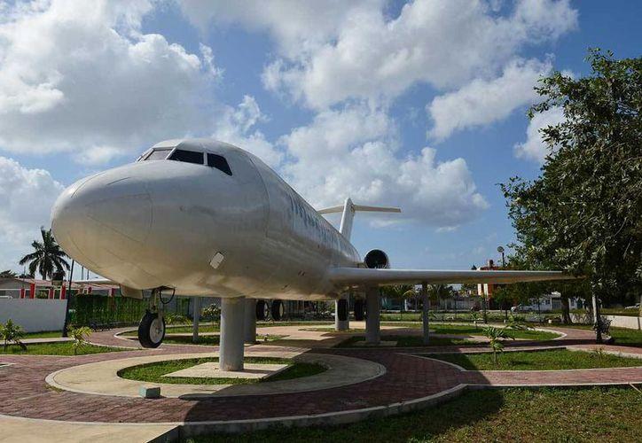 El fuselaje del avión se ubica en la colonia San Gervasio. (Gustavo Villegas/SIPSE)