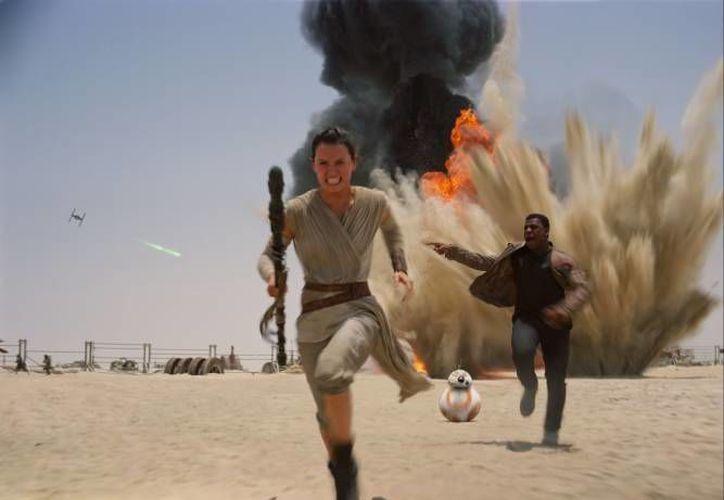 Los efectos especiales fueron el arma principal de 'The Force Awakens', película que el año pasado fue todo un éxito en el mundo. (Archivo/ AP)