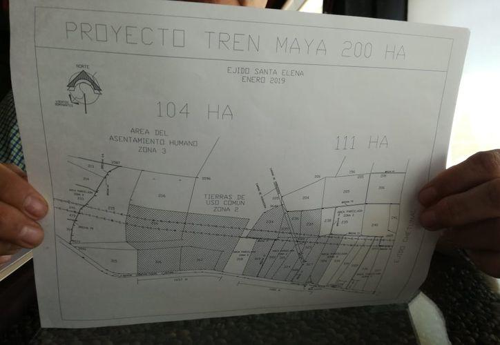 Ejidatarios de Santa Elena proponen dos polígonos para la construcción del Centro de Mantenimiento del Tren Maya. (Daniel Tejada/SIPSE)