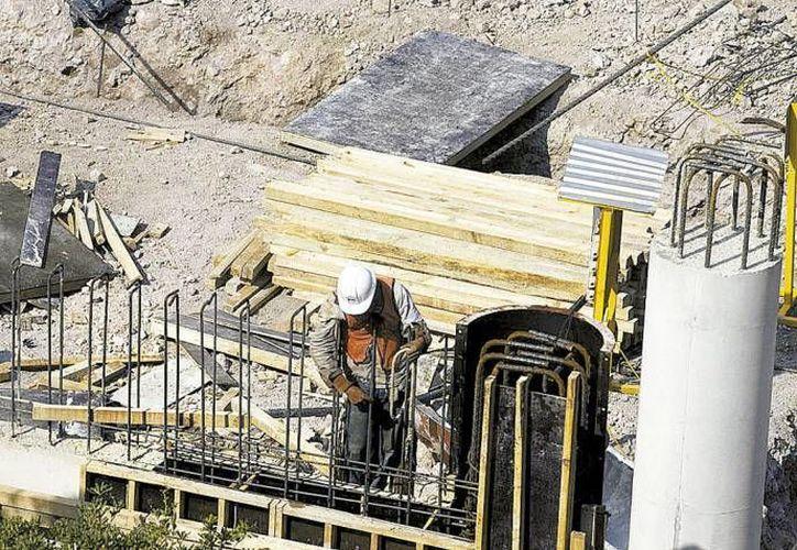 Después del sector construcción, otro de los más golpeados fue el de la minería, con una caída anual del 1.7%. (Milenio/Contexto)