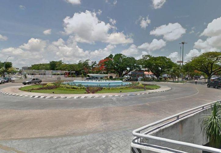 Autoridades piden a los directivos y propietarios de los locales comerciales cercanos a que reporten al Ayuntamiento de Mérida cualquier situación que les parezca extraña respecto a los árboles. (google.com.mx/maps)