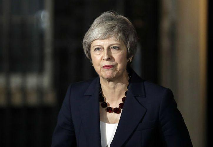 Theresa May señaló que pese a las nuevas protestas para un segundo referendum, este no sería posible. (Infobae)
