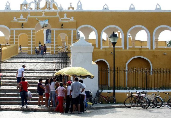 Izamal (en la imagen) y Oxkutzcab son los municipios que presentan una incidencia superior a la tasa estatal de dengue con 3.55 y 3.08, respectivamente. (Milenio Novedades)