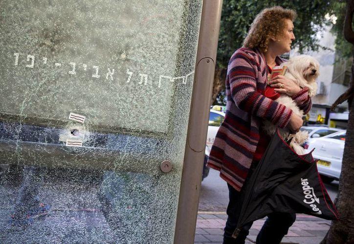 El viernes pasado, el ataque a un concurrido bar del centro de Tel Aviv dejó dos personas muertas. (AP)
