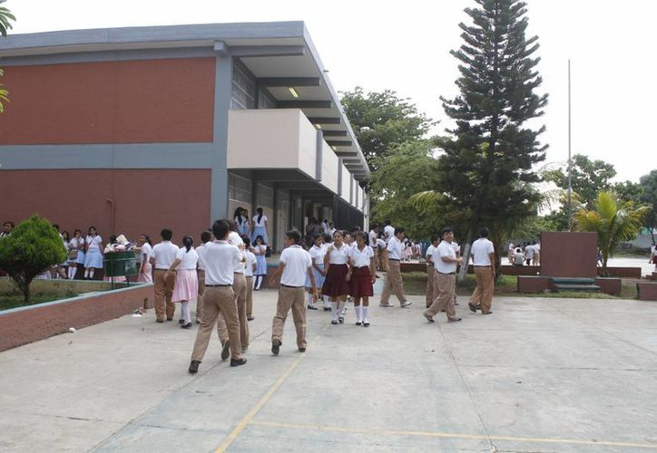 Las escuelas públicas respetaron el calendario escolar 2014–2015 de la SEP. (Sergio Orozco/SIPSE)