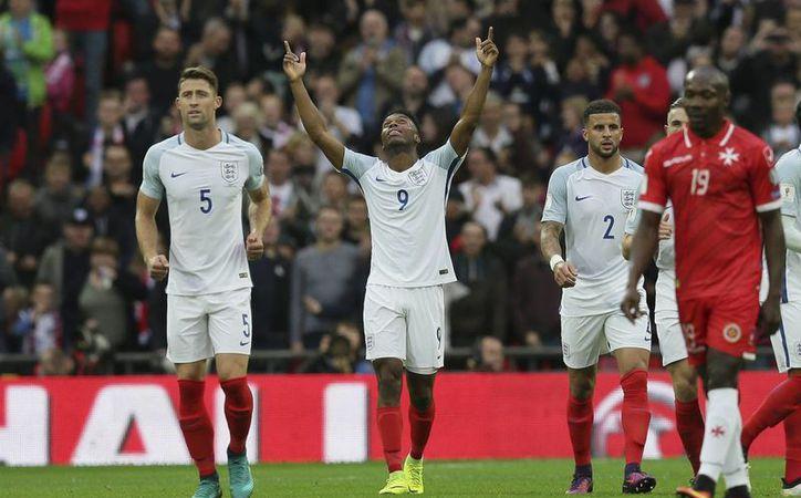 Inglaterra se ubica en la primera posición de su grupo luego de sumar seis unidades en las primeras jornadas de la eliminatoria de Europa.(Tim Ireland/AP)
