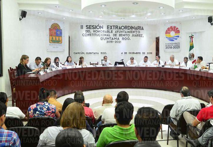 Los regidores explicaron que al alargar el plazo, existe la posibilidad de pagar menos. (Sergio Orozco/SIPSE)